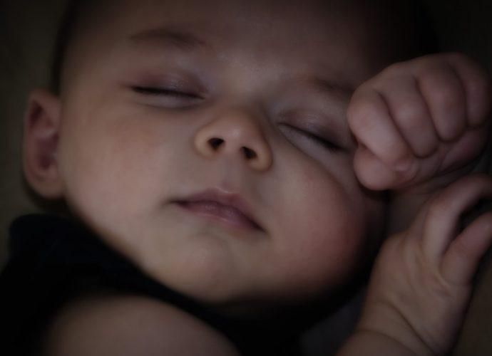 Как приучить ребенка к кроватке просон фото