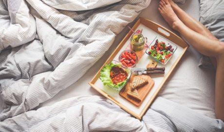 Какие продукты помогут хорошо отдохнуть и выспаться